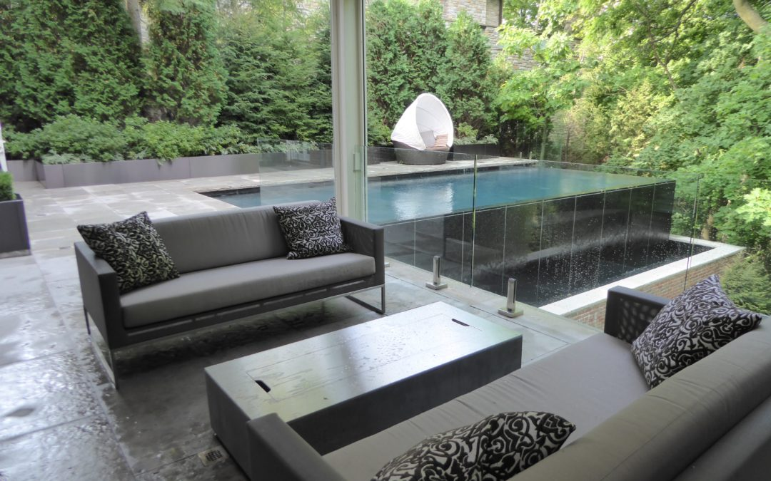 SITE FURNISHINGS AS A FINISHING TOUCH TO YOUR LANDSCAPE